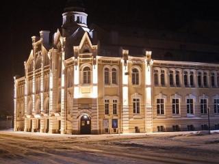 Архитектурно-художественная подсветка украсила исторические здания наукограда Алтайского края